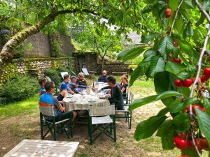 Lunch under the cherry trees - Cevennes